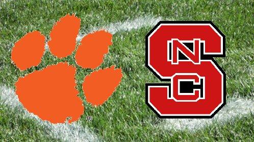 2011 Clemson Tigers Football Team Hard Count